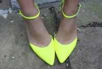 diy-neon-pumps